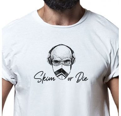 Zoom sur le t-shirt Skim or die
